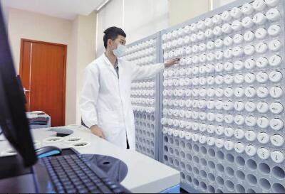 一方制药建药品'DNA库' 造智能'中药房'